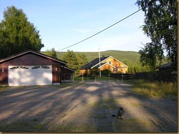 Knapper Alpakka, garage and main house
