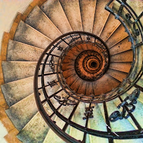 lux_aeterna_mobile-spiral-staircase_01.jpg
