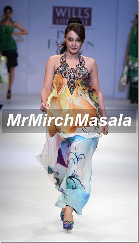 Minissha Lamba pics (2)