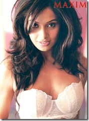 bipasha basu maxim september 2009 (3)