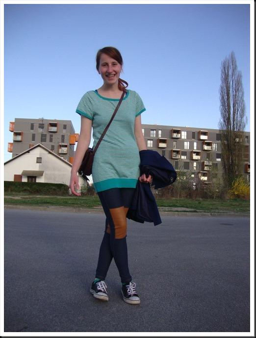 H&M leggings & tee; secondhand blazer & bag; Ali Star shoes (2)