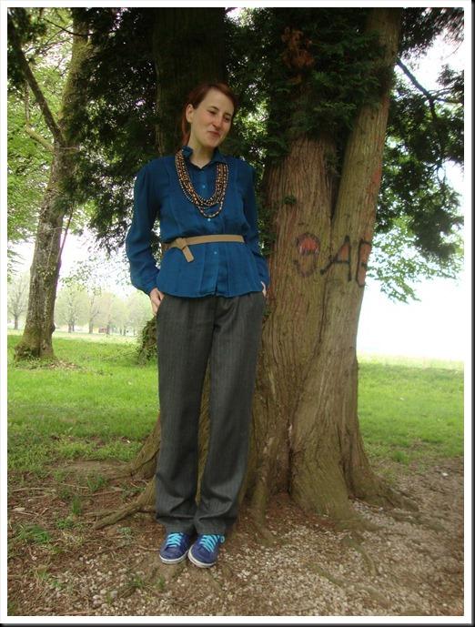 vintage blue blouse and belt; Oviesse pants; Graceland shoes (2)