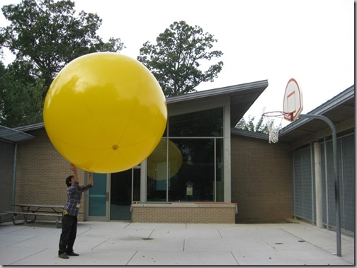 Yellow Balloon 031