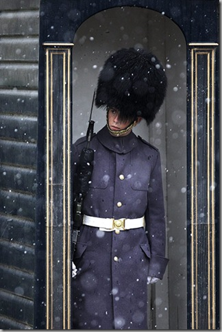 Snow A-soldier-of-the-Scots-Guards