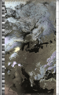 NOAA 15 northbound 66E at 10 Jul 2010 14:31:11 GMT on 137.50MHz, HVC enhancement, Normal projection, Channel A: 2 (near infrared), Channel B: 4 (thermal infrared)