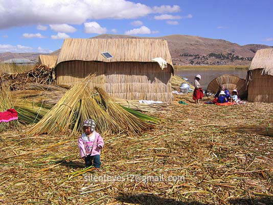 Titicaca : The Fantastic Floating Islands