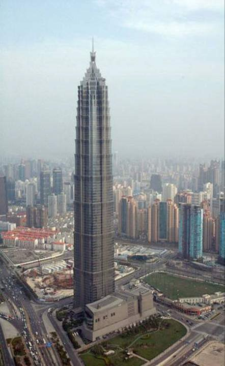 Great Heights: Collection of 12 really tall architectures/buildings from around the world.
