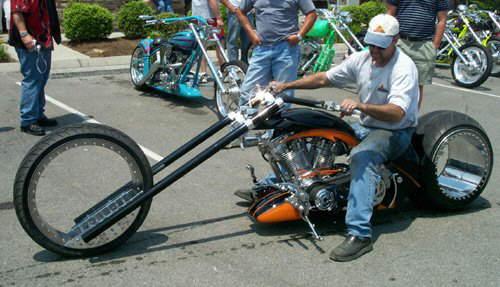 Hubless Chopper: A Wicked Bike Without Rims
