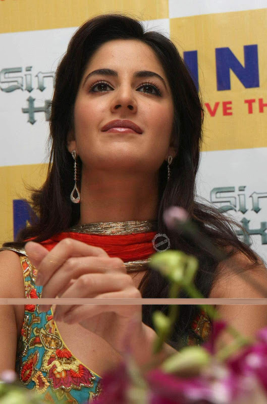 Katrina Kaif's close up pics from Inox 'Sing is King' screening