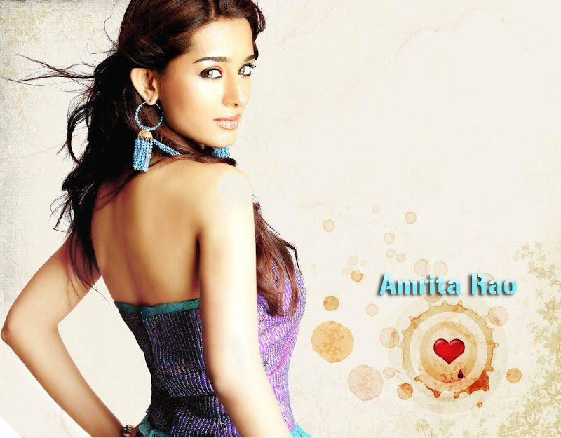 Hot Amrita Rao and Aamna Sharif