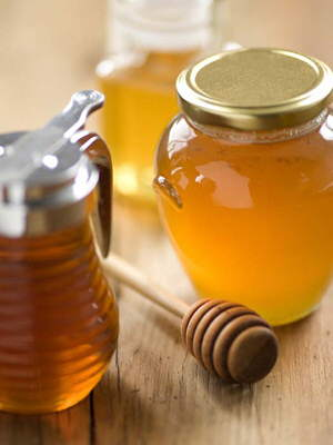 Medical Benefits of Honey and Cinnamon: Heart Diseases, Arthritis, Bladder Infections, Cholesterol, Colds, Upset Stomach