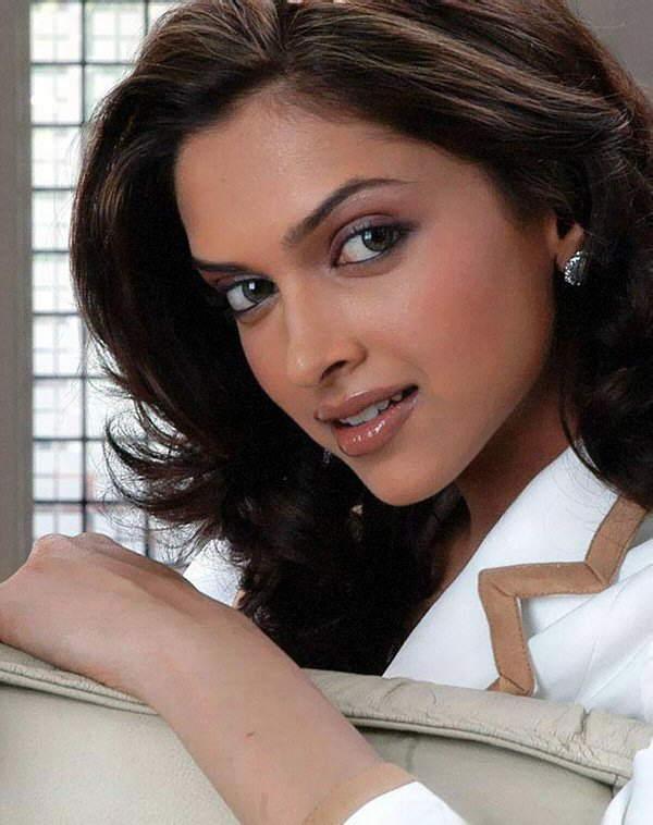 Deepika Padukone Modelling Photos