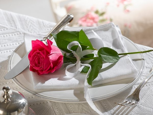 Romantic Dinner-Table Arrangement Ideas