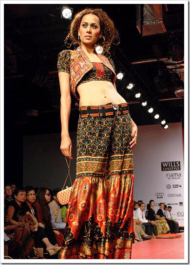 Ritu kumar's summer wear collection at LFW_9