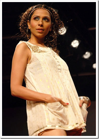 Ritu kumar's summer wear collection at LFW_7