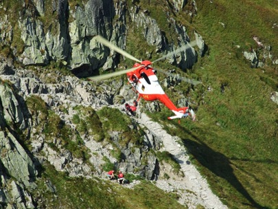 Hubschrauber-Rettung nahe Pos rednia Turnia