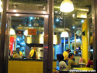 Yellow Cab Pizza Co. in Damosa Gateway looks like a New York store!