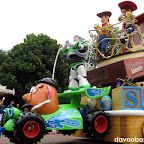 My most favorite characters in the entire parade bunch: Toy Story with Woody and Buzz Lightyear!