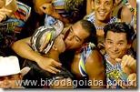 click_beijo_gay_carnaval