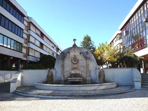 agueda - fonte praça do municipio
