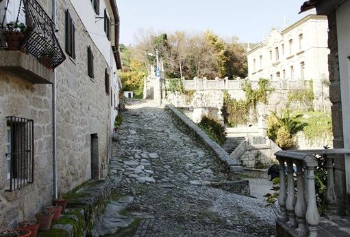 Alpedrinha - Chafariz D. João V - calçada romana e castelo