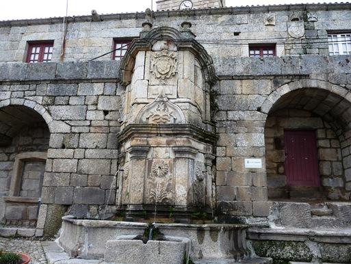 Castelo Novo -  chafariz das 3 bicas ou de D.João V