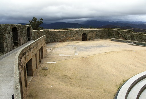 Belmonte - castelo - interior 4