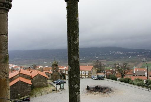 Belmonte - castelo - vista a partir da janela manuelina geminada