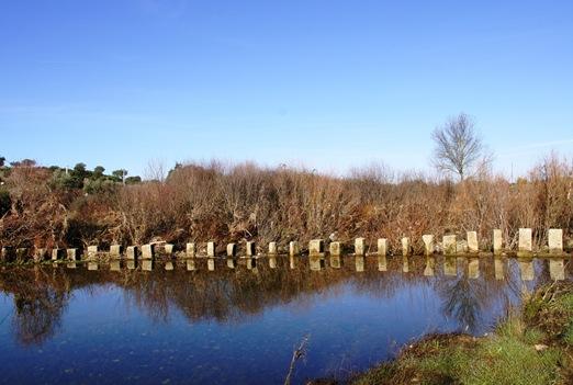 Idanha a Velha - poldras sobre o rio Pônsul