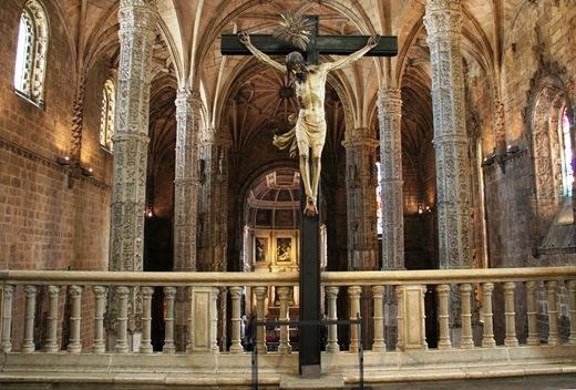 mosteiro dos Jeronimos -  igreja - cristo na cruz