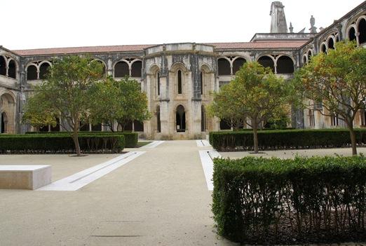 Mosteiro de Alcobaça - Claustro de D. Dinis ou do Silêncio