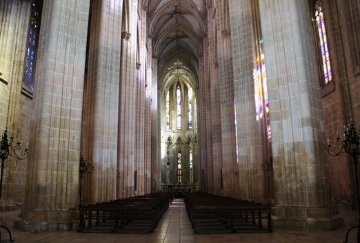 Batalha - Mosteiro de Santa Maria da Vitória - interior igreja