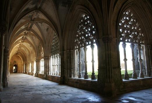 Batalha - Mosteiro de Santa Maria da Vitória - galeria do clastro de d. joão I