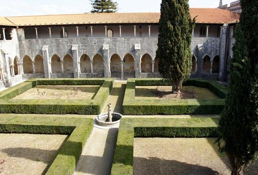 Batalha - Mosteiro de Santa Maria da Vitória -  claustro de D. Afonso V 4