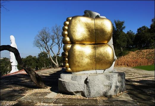 Buddha Eden - pés do buddha deitado