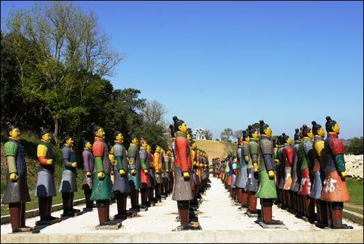 Buddha Eden - exercito em terracotta.7