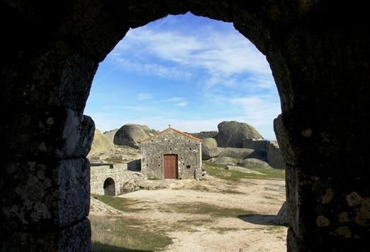 Monsanto - capela de santa maria do castelo 1