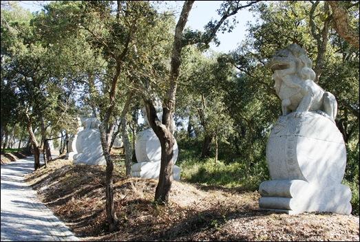 Buddha Eden - estatuas na floresta