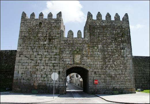9.Trancoso -  castelo medieval - portas do prado