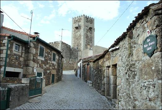 Sabugal - Glória Ishizaka - Rua Pedro Alvares Cabral 1