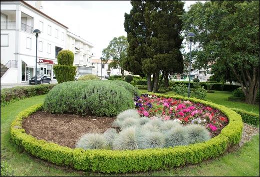 Sabugal - Glória Ishizaka - jardim do tribunal