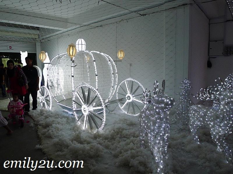 iCity lighted Cinderella pumpkin carriage