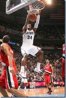 Dec 11 2008 [Melissa Majchrzak NBAE Getty] CJ with the thunder dunk