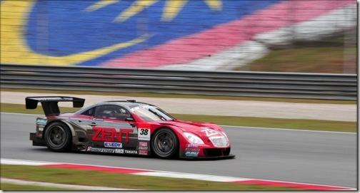 2010-Japan-Super-GT-Day-1-2332-600x398