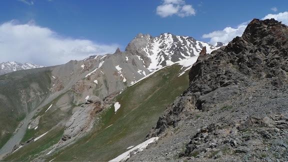 Biotope de Paralasa hades TUZOV, 1993, Agriades pheretiades pherecydes EVERSMANN, 1843, Hissar Mts, est Anzob, 2680 m, 28.VII.2009, Tadjikistan. Photo : J.-F. Charmeux