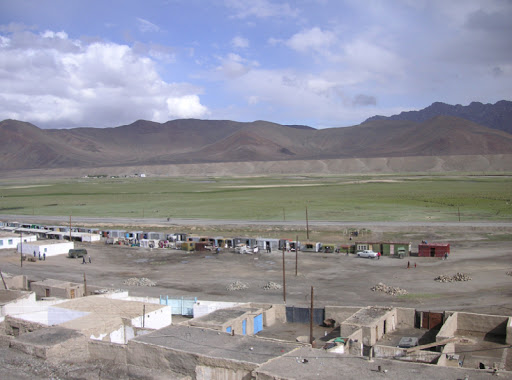 Le marché de Murghab (3630 m), 23 juillet 2007. Photo : J. Michel