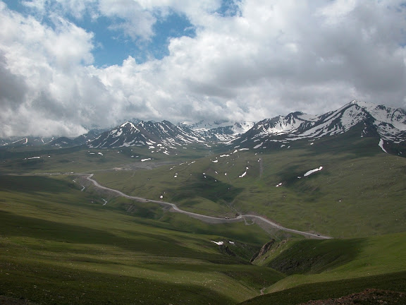 Alabel Pass, 3300 m (Kyrgyzistan), 29 juin 2006. Photo : B. Lalanne-Cassou