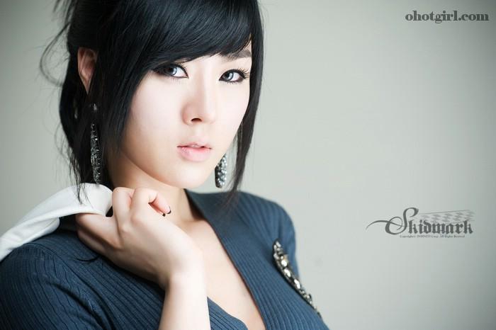 Casual Hwang Mi Hee
