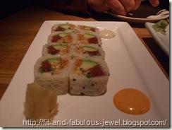 thai tuna sushi