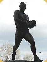 150px-Leigh_matthews_statue